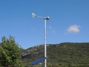 éolienne & panneaux solaire
