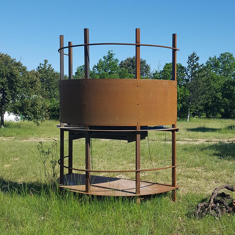 barbecue à bois au camping
