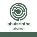 un labyrinthe dans les buis