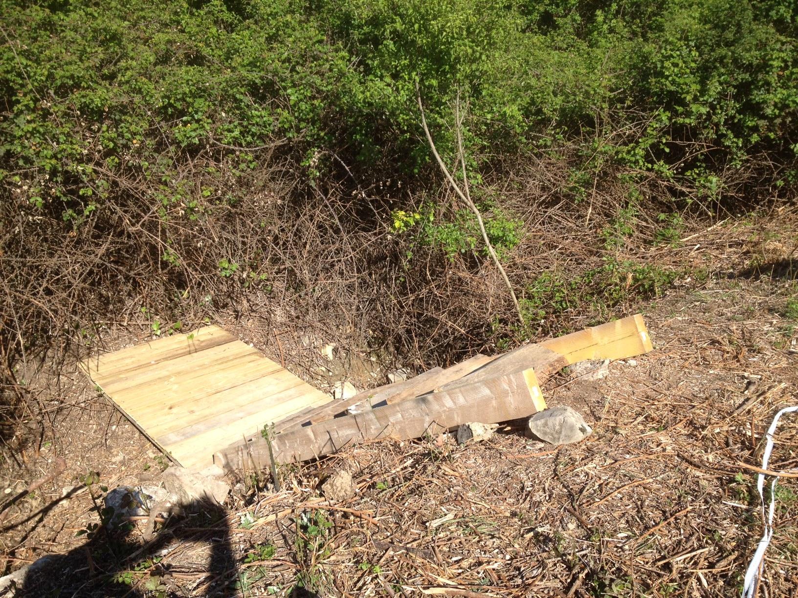 L'accès aux sources aménagé sur le sentier de Briange